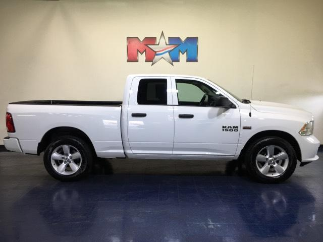 2016 Ram 1500 >> Pre Owned 2016 Ram 1500 4wd Quad Cab 140 5 Express 4wd