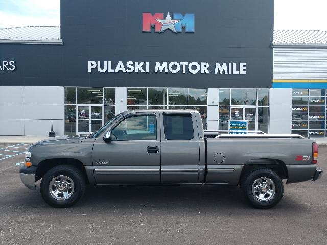 Pre Owned 2000 Chevrolet Silverado 1500 3dr Ext Cab 143 5 Wb 4wd Ls 4wd