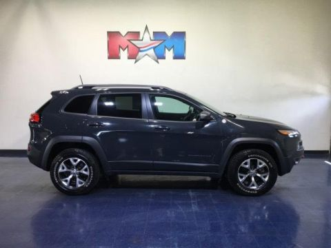 Pre-Owned 2016 Jeep Cherokee 4WD 4dr Trailhawk